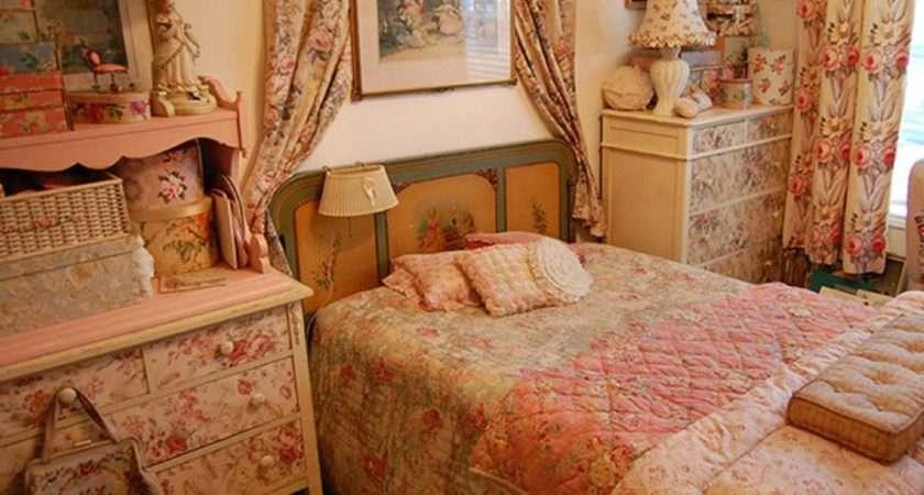 Vintage Bedroom Decorating Ideas Photos