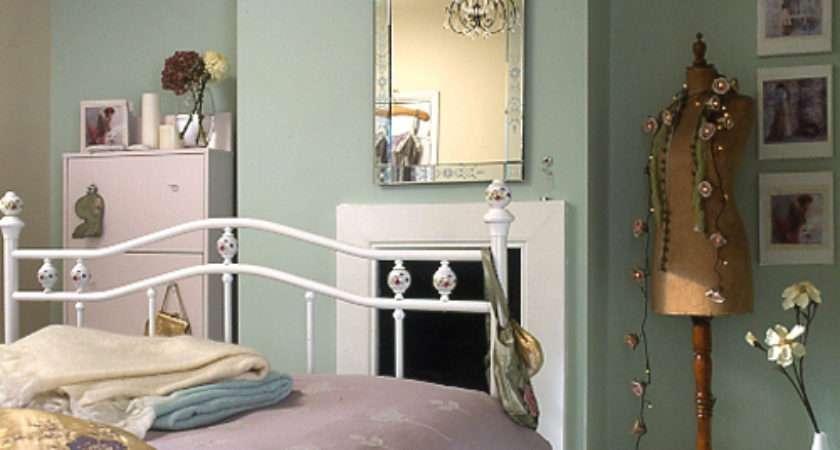 Vintage Dolls Inspiration Bedroom