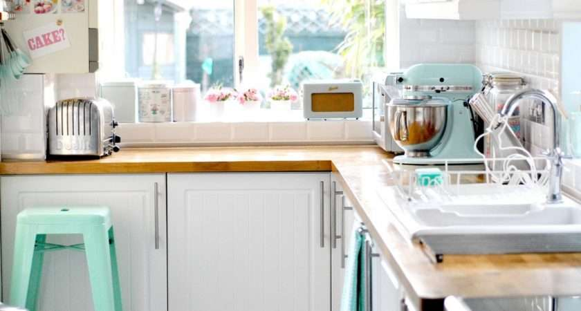 Vintage Fashion Travel Lifestyle Blog Dream Kitchen