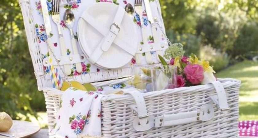 Vintage Floral Person Flap Picnic Basket Bhs Pickture