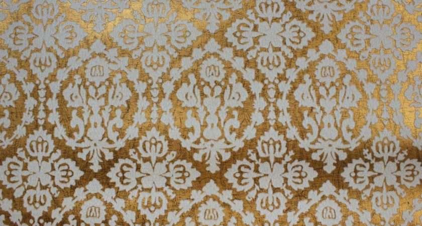 Vintage White Flocked Damask Metallic