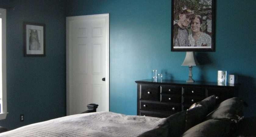 Well Master Bedroom Looks Something Like