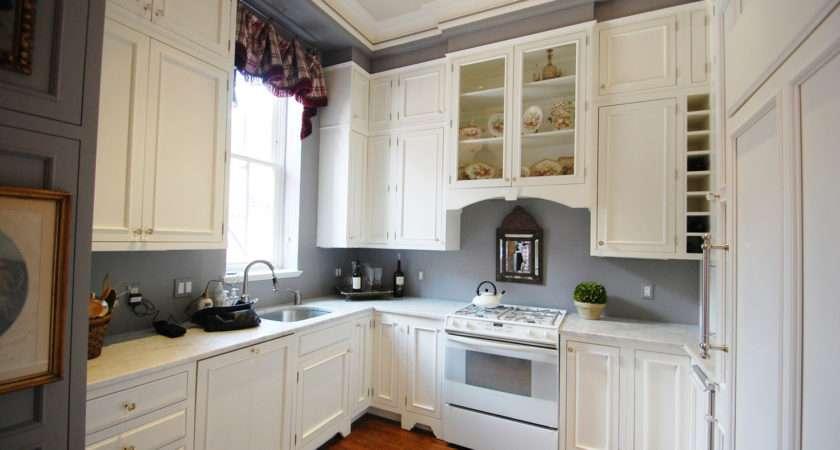 White Kitchen Cabinets Grey Walls Jpeg