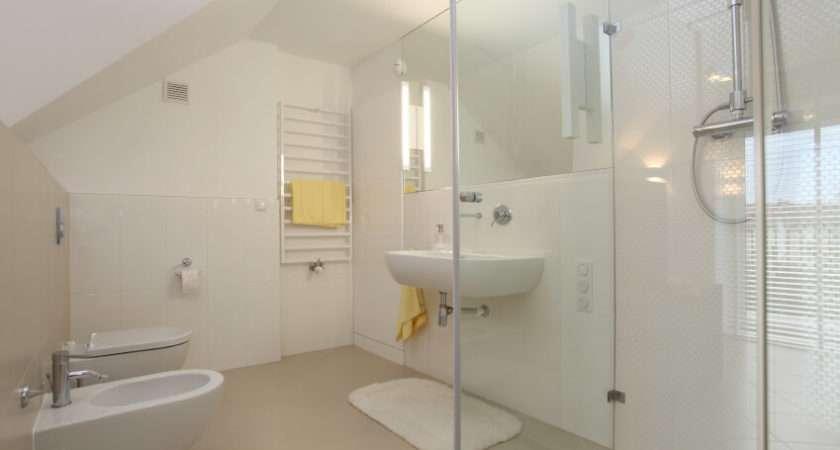 White Modern Bathroom Ladder Towel Rack Sleek Chrome