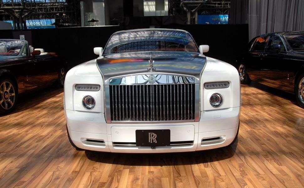 White Rolls Royce Ghost
